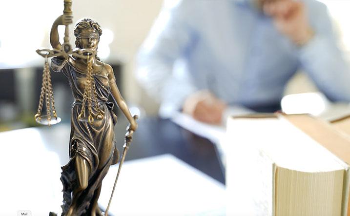 Anzeige Vorladung Polizei | Dr. Alexander Stevens | Anwalt für Strafrecht München | Fachanwalt für Strafrecht München